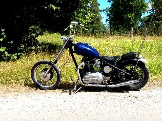 En gammal Chopper Triumph