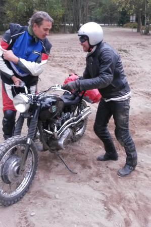 triumph-desert-sled-mud